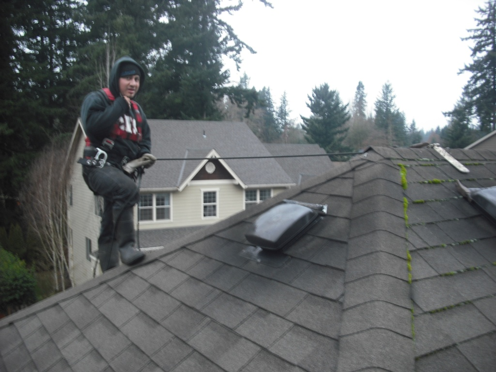 Roofing Contractors Must Play it Safe